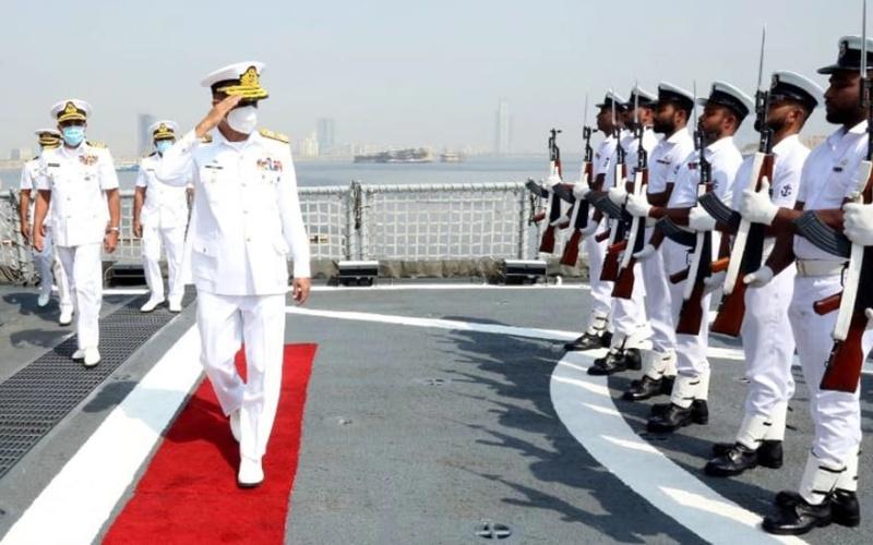 چیف آف نیول سٹاف کا بحری مشق امان-21 کے غیر ملکی بحریہ کے جہازوں کا دورہ۔
