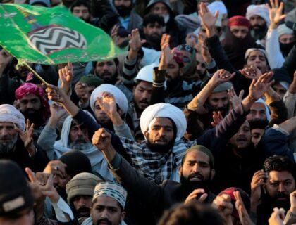 حکومت کے ساتھ نئے معاہدے کے بعد ٹی ایل پی نے اسلام آباد کے احتجاج کو مؤخر کر دیا۔